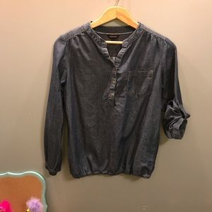 Tops - Nice casual chambray blouse